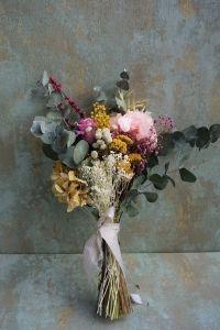 Ramo con flores preservadas