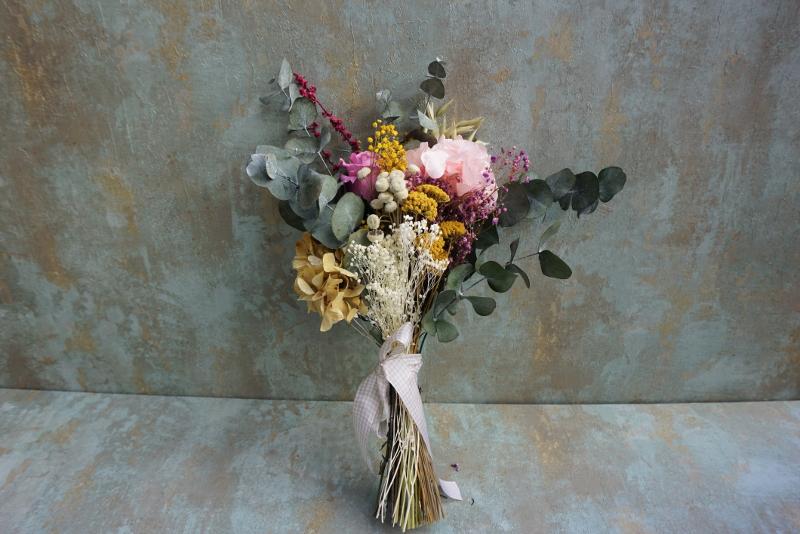 """Ramo con flores preservadas """"Madre no hay más que una"""""""