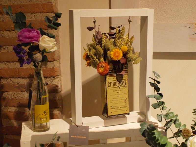 Adolfo dom nguez archivos flores en el columpio - Decoracion con flores secas ...