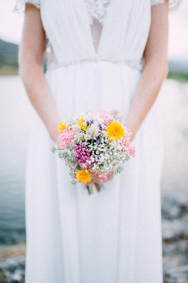 Ramo de novia pequeño y colorido