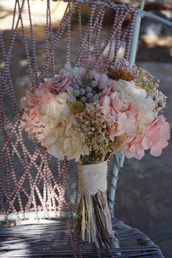 Flores preservadas en tonos pastel