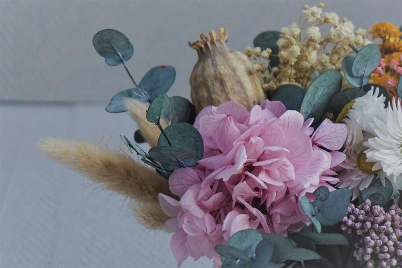 """Centro de flores secas y preservadas en una taza """"Te quiero Mami"""""""