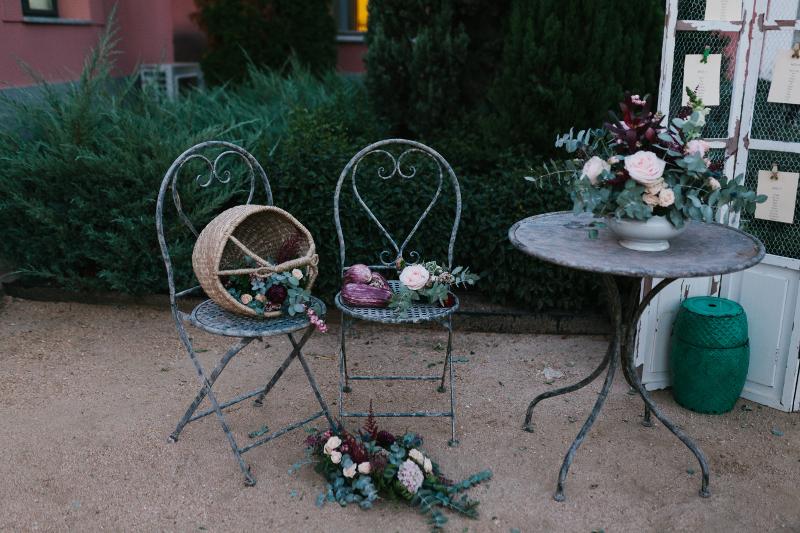 Decoración floral en el Castillo de Viñuelas - Bodegon Seatting