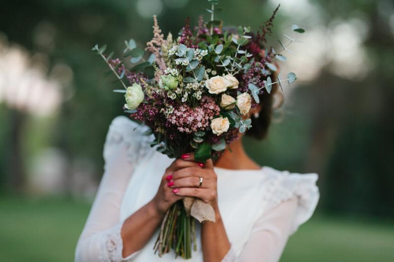 ramos de novia naturales archivos - flores en el columpio