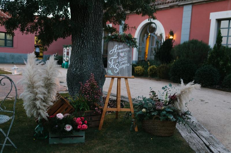 Decoración floral en el Castillo de Viñuelas - Rincón de bienvenida