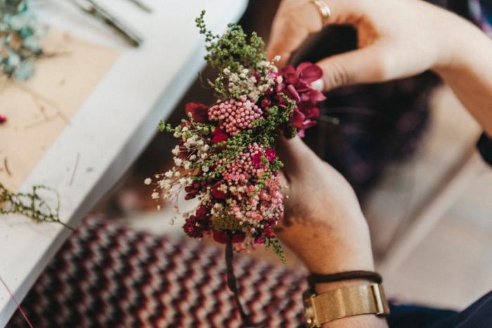 Taller de coronas de flores