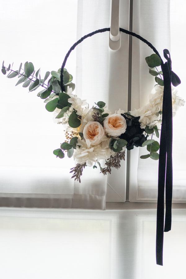 Hoop bouquet blanco y negro