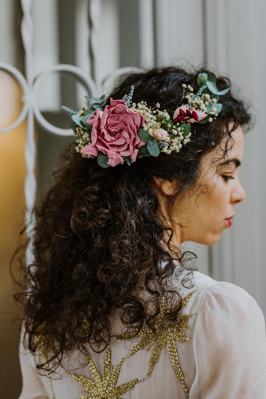Tocado De Flores Preservadas Para Novia Con Gardenia Como Flor Principal