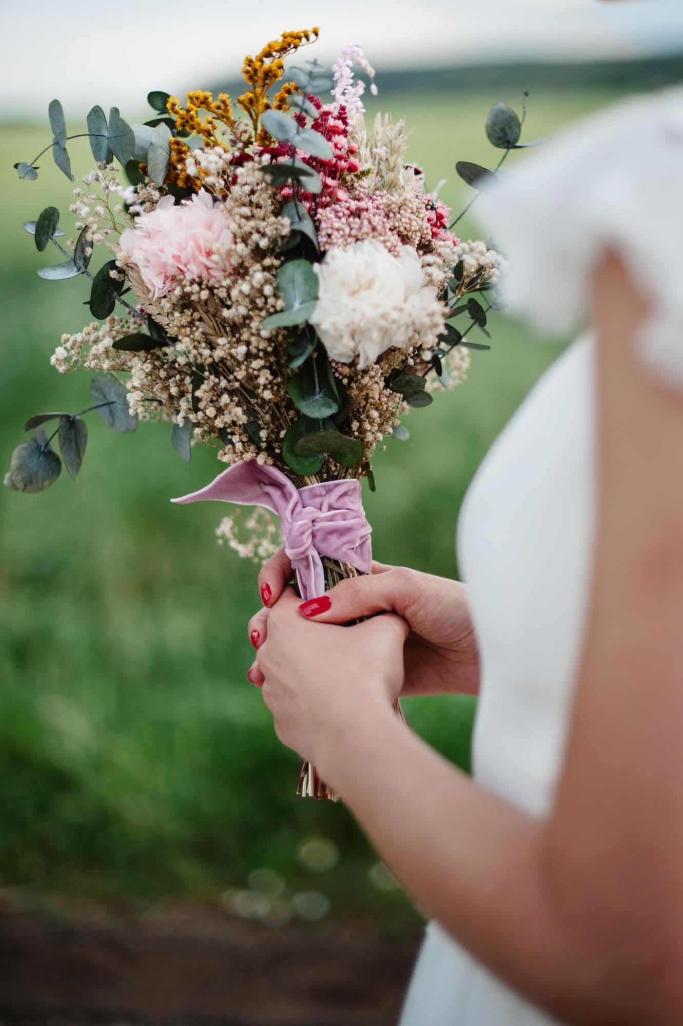 Marta la novia del velo rosa empolvado