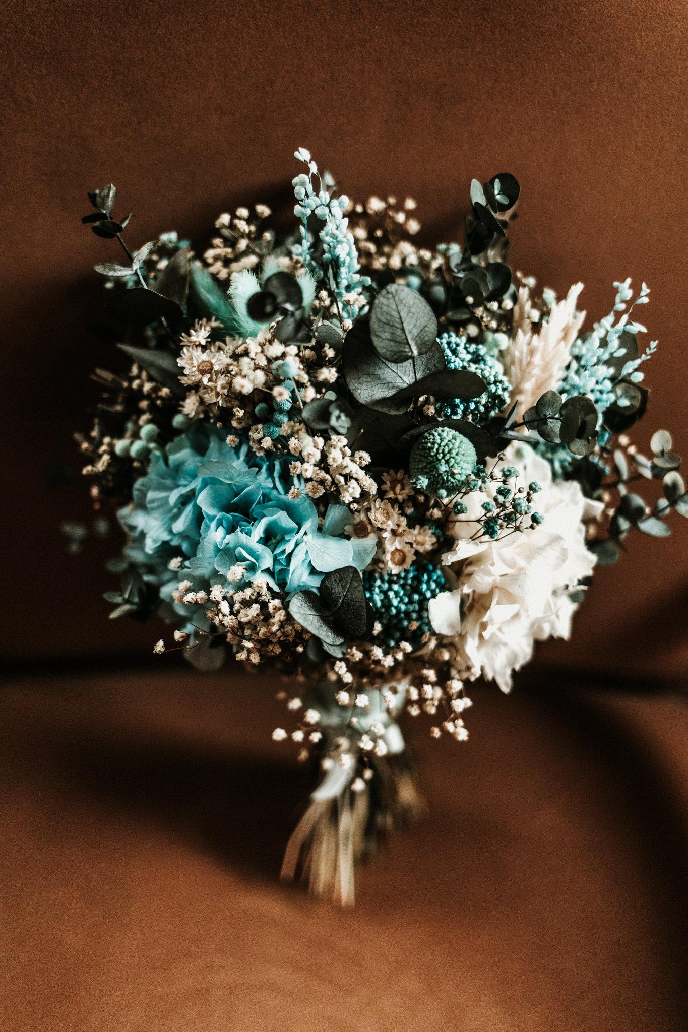 La novia del bouquet en tonos azules 1