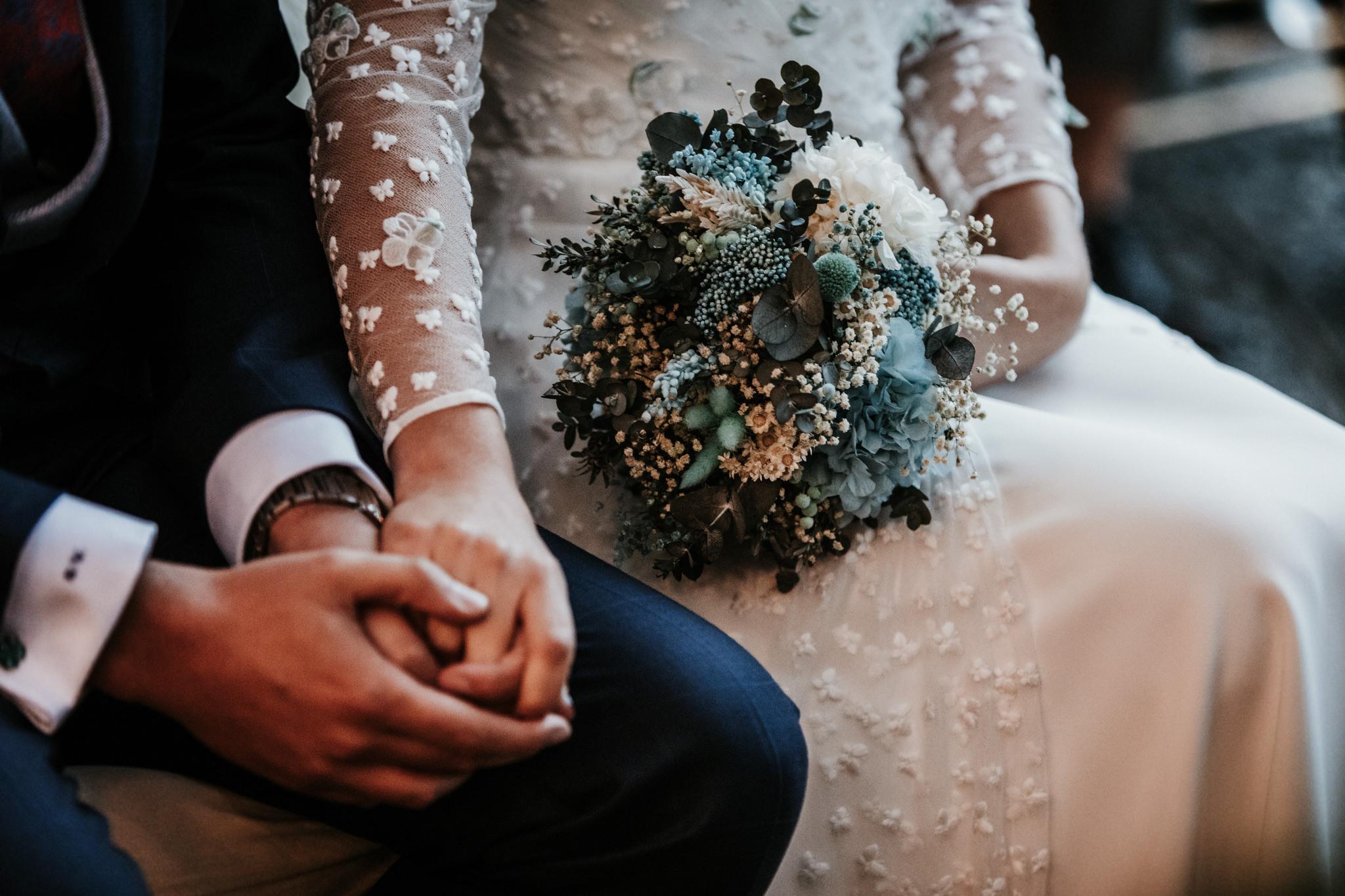 La novia del bouquet en tonos azules 3