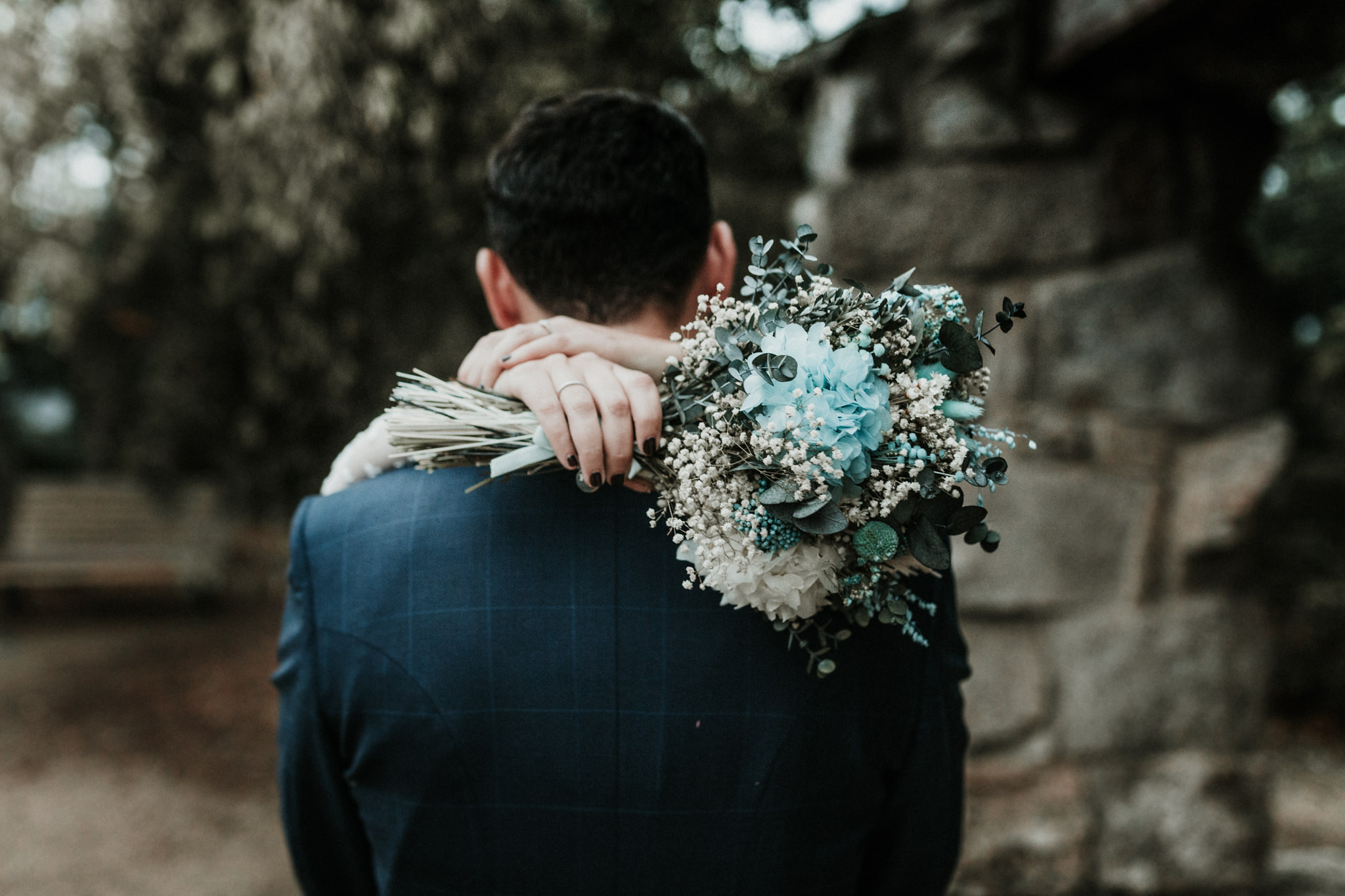 La novia del bouquet en tonos azules 4