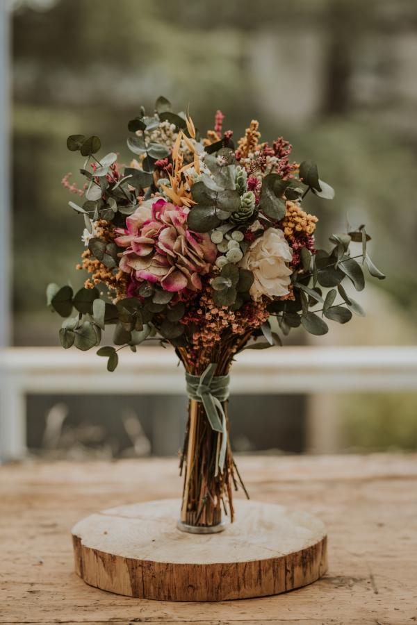 Ocho modelos de ramos de flores preservadas 9