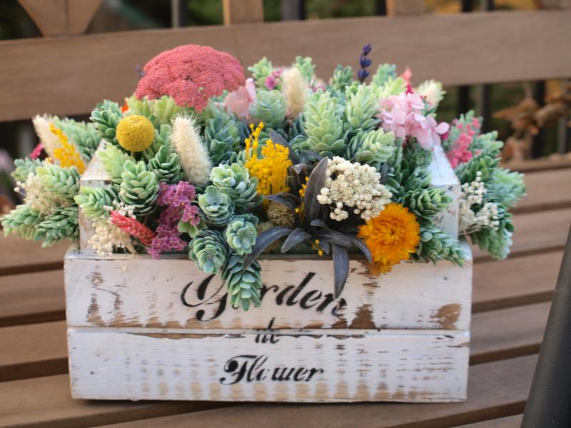 Como Decorar Con Flores Secas Una Tienda De Tocados