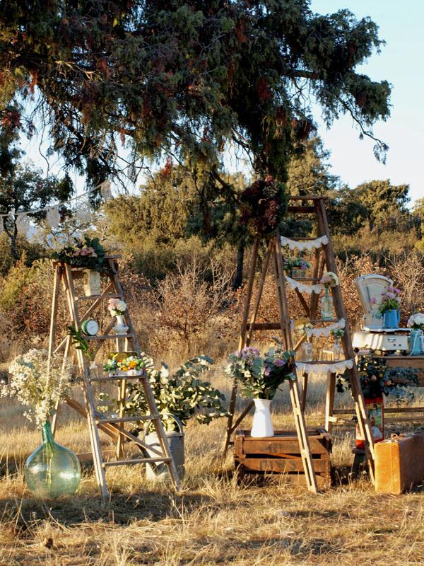 alquila la decoración de tu boda - flores en el columpio