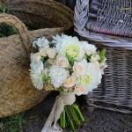 Bouquet de flores naturales con dalias
