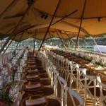 Decoración mesa de boda con guirnalda de boj