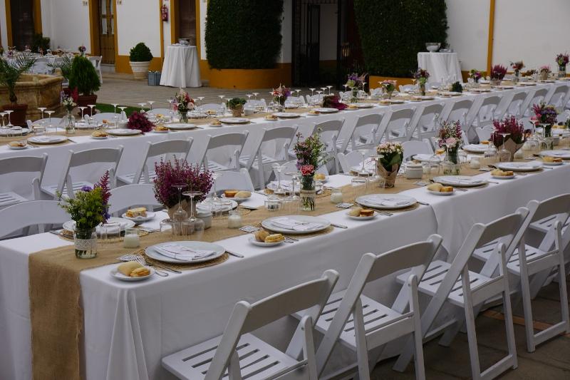 Flores para mesas de boda flores en el columpio for Adornos d mesa para boda
