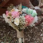 Ramo de flores preservadas con achillea