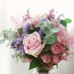 ramo de novia con eucalipto, estatice, rosas, ....