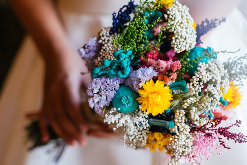 Ramo de novia con flores preservadas y silvestres - Floresenelcolumpio