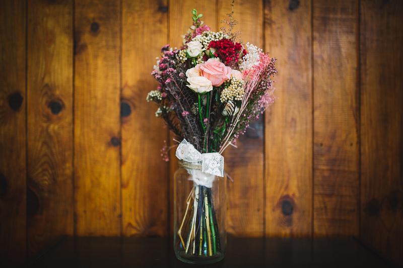 Ramo preservado silvestre con rosas ramificadas