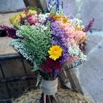 Ramo preservado silvestre con lavanda, flor de arroz, achillea y otras flores de campo